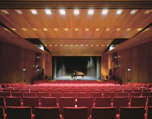 Theatersaal_Blick_auf_Buehne